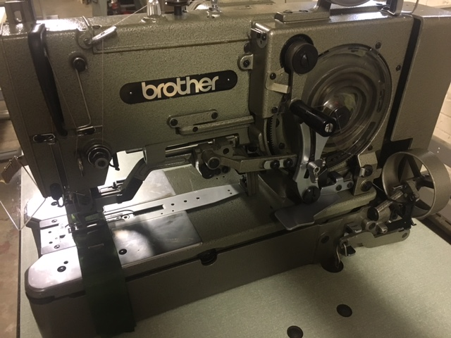 Brother B814 button hole